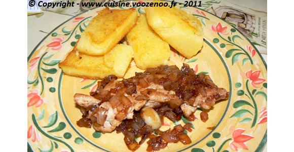 Escalopes de dinde aux oignons confits et Polenta