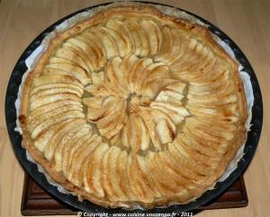Tarte aux pommes et gelée de coing presentation