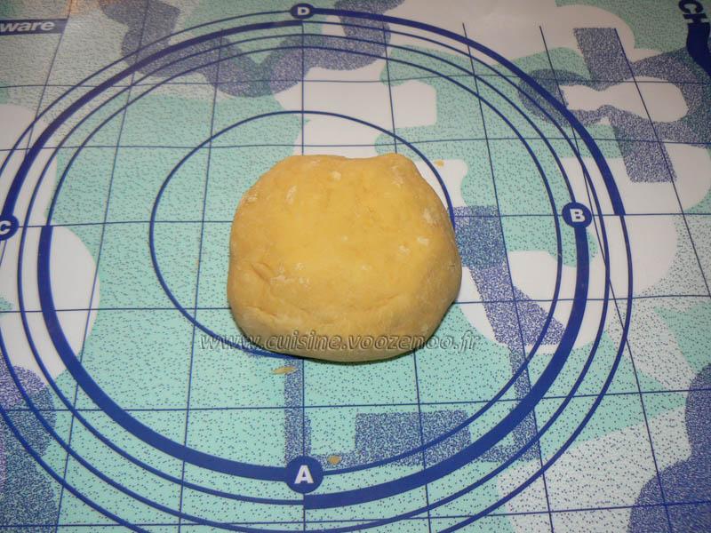 Oeufs mimosas revisités façon quiches au thon etape2