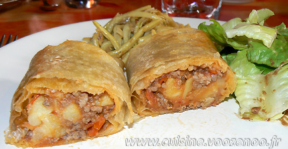 Brick à la viande, sauce tomates cerises sésame