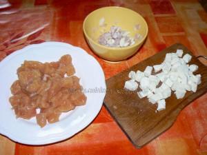 Cake aux blancs de poulet, champignons et mozzarella etape1