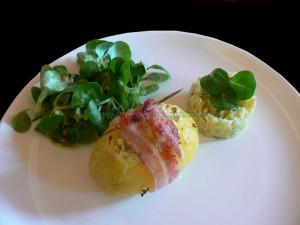 Pommes de terre farcies aux oeufs presentation