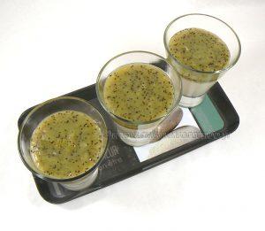 Panna cotta au coulis de kiwi fin