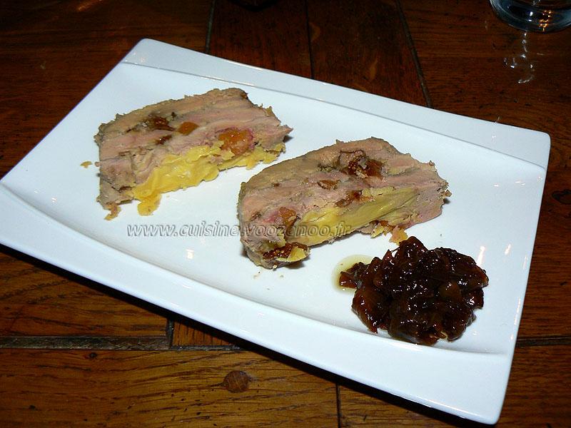 Foie gras de canard maison aux fruits secs presentation