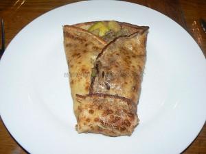 Crêpes fourrées aux courgettes et viande hachée fin