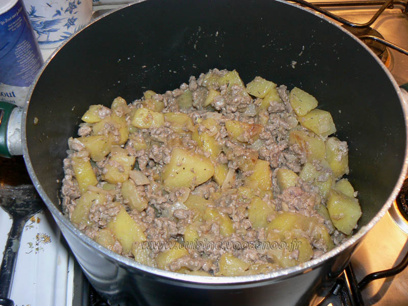 Poelée de pommes de terre et viande hachée etape2