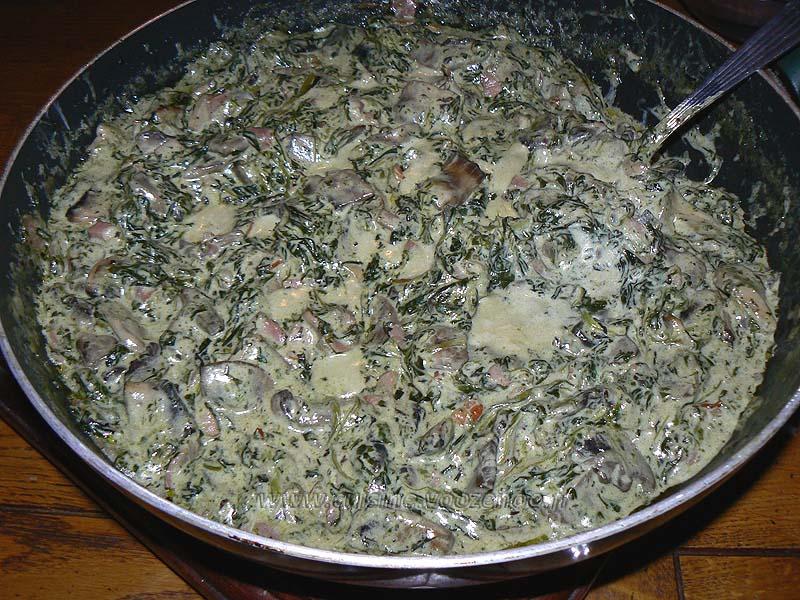 Spaghettis aux épinards, champignons et lardons fin