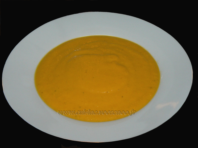 Veloute de carottes oriental presentation