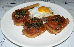 Panisse maison et tomates à la Provençale presentation