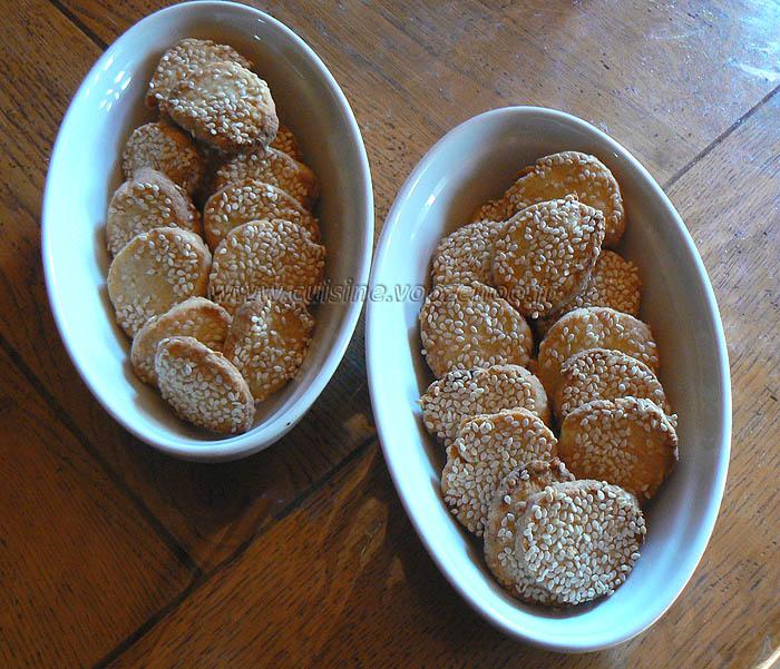 Biscuits apéritif à la vache qui rit et au sesame fin
