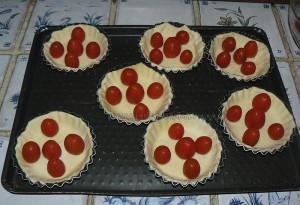 Tartelettes aux tomates cerises, parmesan et basilic etape1