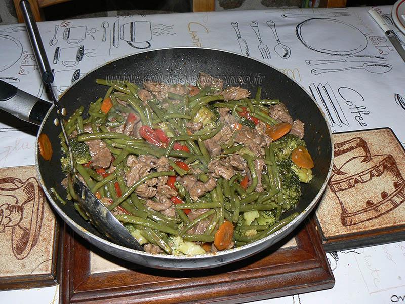 Wok de boeuf saute aux legumes croquants fin