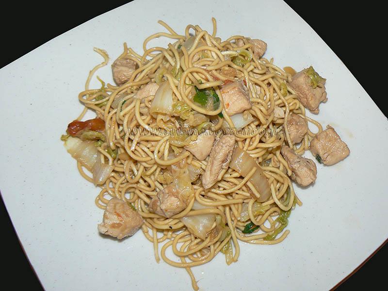 Wok de chou chinois (psé-tai) au poulet et gingembre presentation