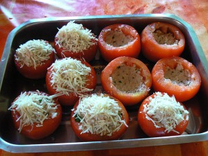 Tomates farcies au riz et oeufs gratines etape3