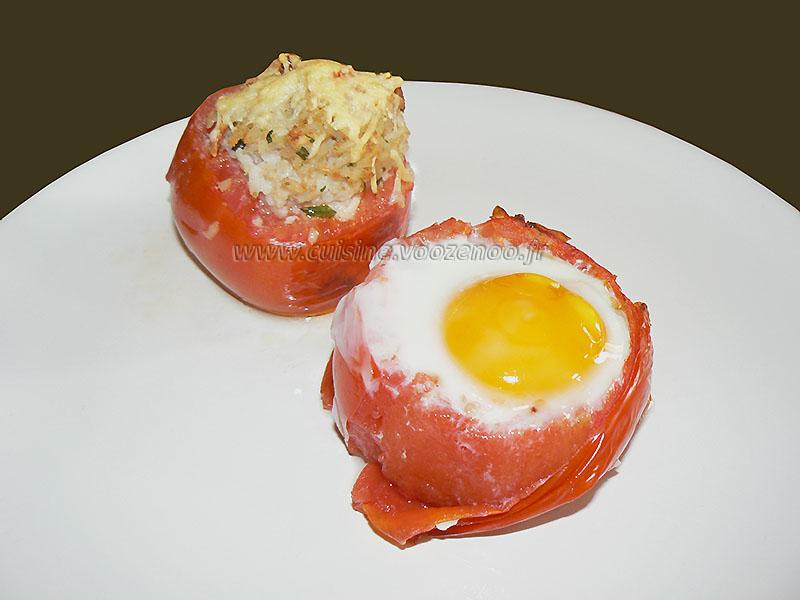Tomates farcies au riz et oeufs gratines presentation
