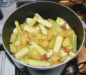Courgettes longues et pommes de terre cucuzza etape2