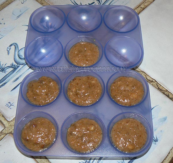 Petits gateaux au miel, coeur de pignons de pin caramelisés etape2