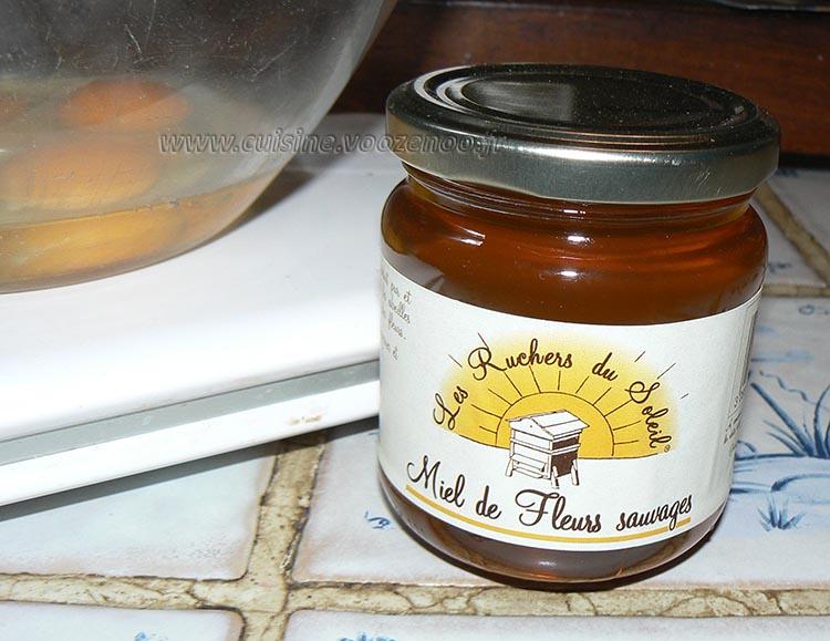 Petits gateaux au miel, coeur de pignons de pin caramelisés etape3