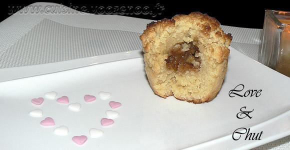 Petits gateaux au miel, coeur de pignons de pin caramelisés une