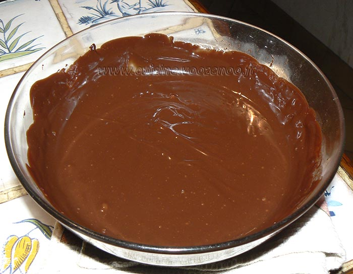 Brochettes de brioche perdue, fruits et sauce au chocolat etape3