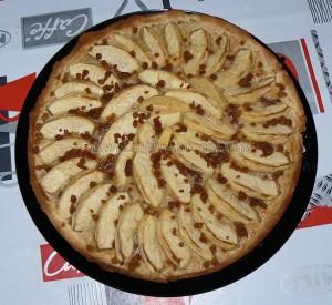 Tarte aux pommes, crème de mascarpone et miettes de spéculoos presentation