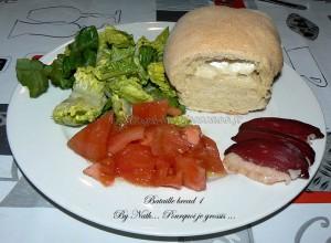 pain blanc italien au coeur de chêvre fin