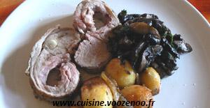 Carré d'agneau désossé aux herbes, pommes de terre et champignons