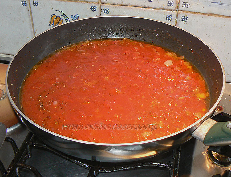 Haricots plats, sauce provençale et bâtons de porc etape2