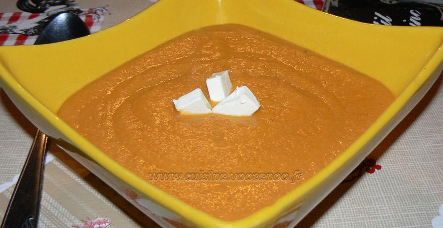 Velouté aux carottes et pois chiches slider