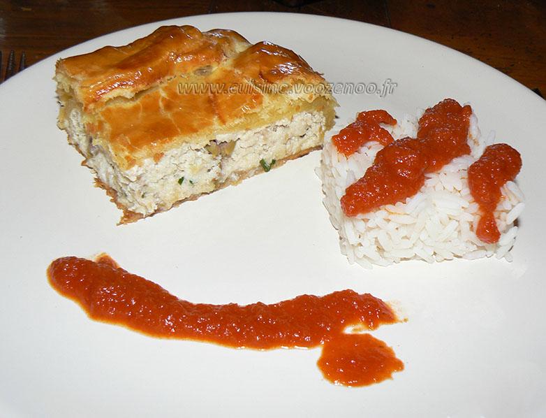Feuilleté de saumonette au brocciu coulis epice presentation