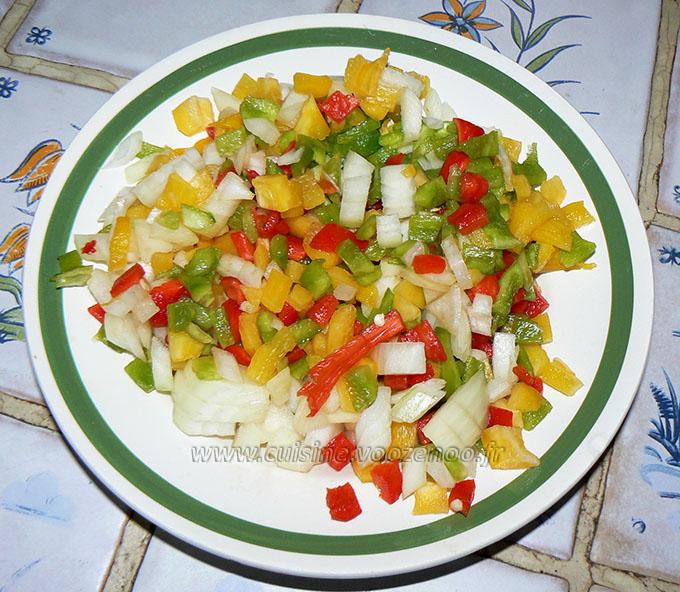 Batbouts farcis a la viande et aux legumes, sauce epicee etape1