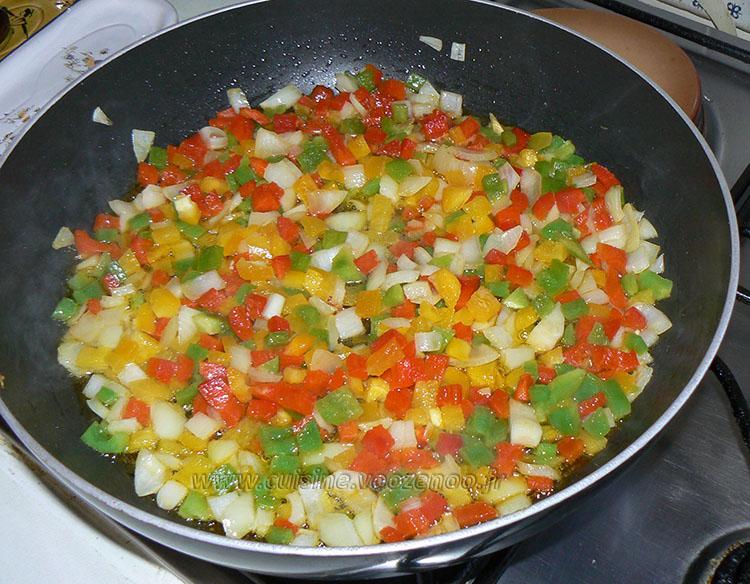 Batbouts farcis a la viande et aux legumes, sauce epicee etape2