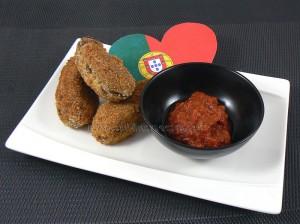 Croquettes de viande et bechamel à la portugaise presentation