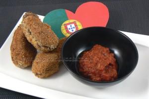 Croquettes de viande et bechamel à la portugaise