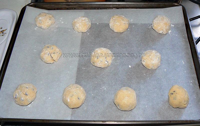 Glace aux cookies, coulis de chocolat et chantilly etape2