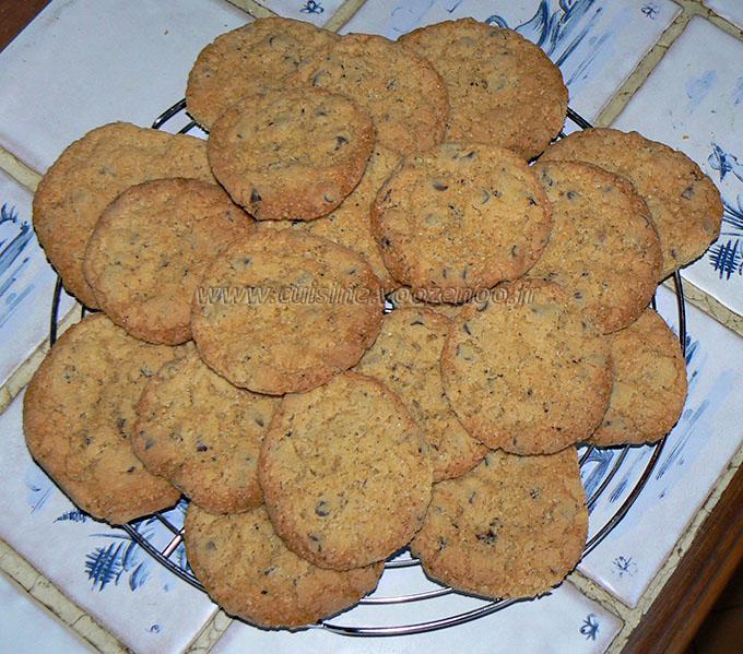 Glace aux cookies, coulis de chocolat et chantilly etape3