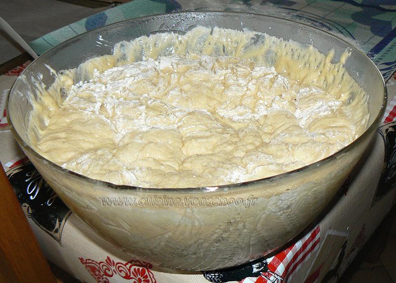 Briochettes à la crème pâtissiere et myrtilles etape4