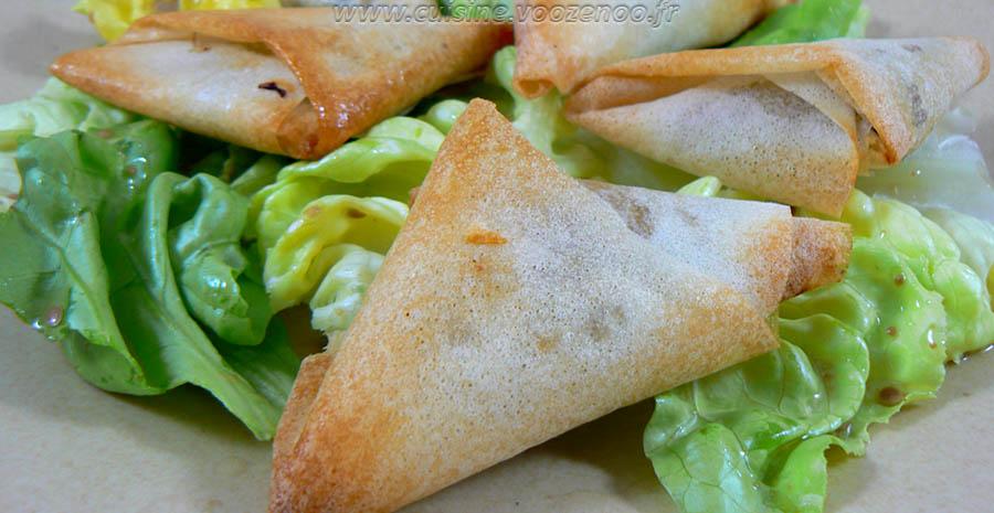 Samoussas aux épices, herbes fraiches et viande hachée