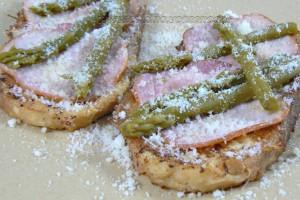 Pain perdu au bacon et asperges vertes slider