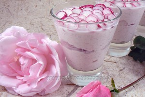 Verrines roses, jambon et radis