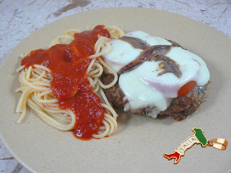 Polpettes à la mozzarella tomate et anchois presentation