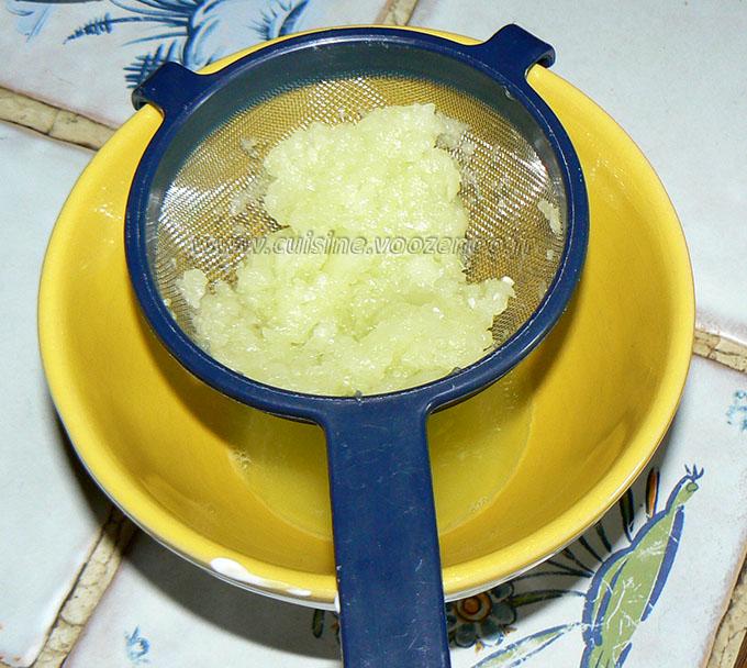Crème de concombre et chèvre frais à tartiner étape1