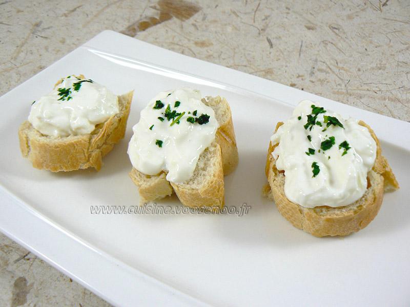 Crème de concombre et chèvre frais à tartiner presentation