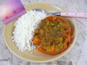 Tomates farcies à l'indienne vegetarienne presentation