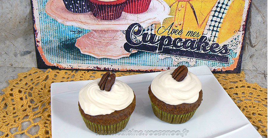 Cupcakes noix de pecan, topping creme de sirop d'erable slider