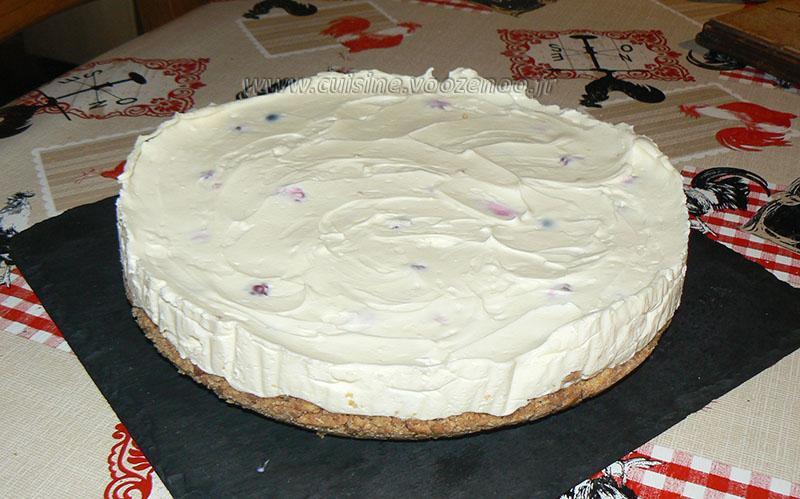 Cheesecake au chocolat blanc, framboises et myrtilles fin