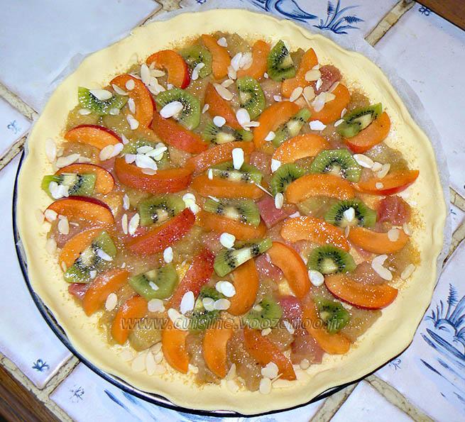 Tarte fine à la rhubarbe, aux abricots et kiwis etape2