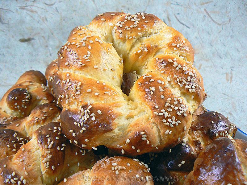 Petits pains portugais au lait concetre sucre presentation