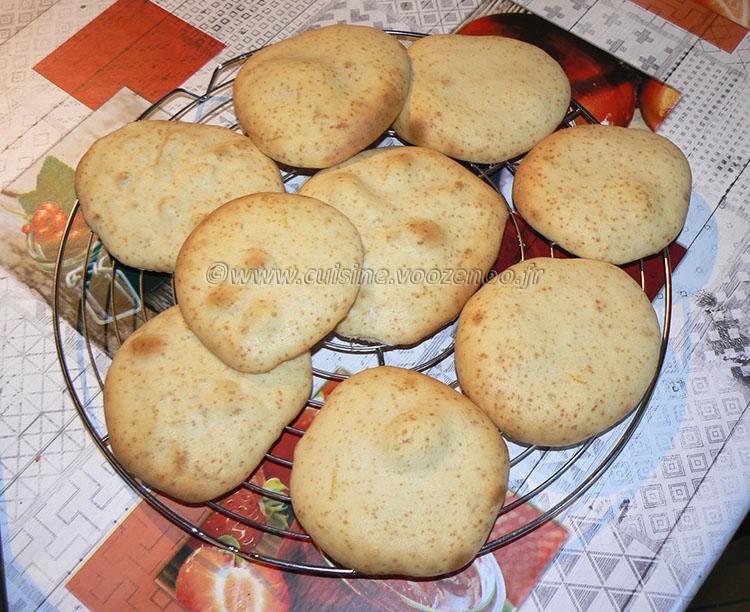 Cookies toile d'araignée black and white etape3