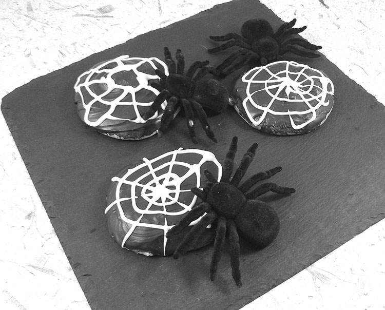 dessbCookies toile d'araignée black and white etape4isc49_cookiestoiledaraigneeblackandwhite_fin2